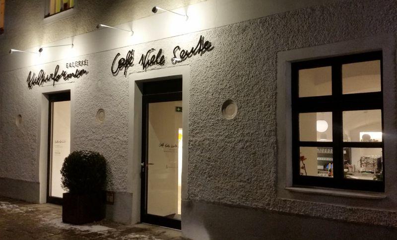Cafe Viele Leute  Ef Bf Bdffnungszeiten