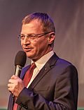 2015 Crossing Europe 2015 - Opening Ceremony -- Thomas Stelzer (Representative of the Upper Austrian Parliament) (17221217406) (cropped).jpg